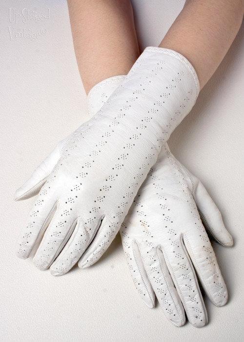 Как сделать белые перчатки