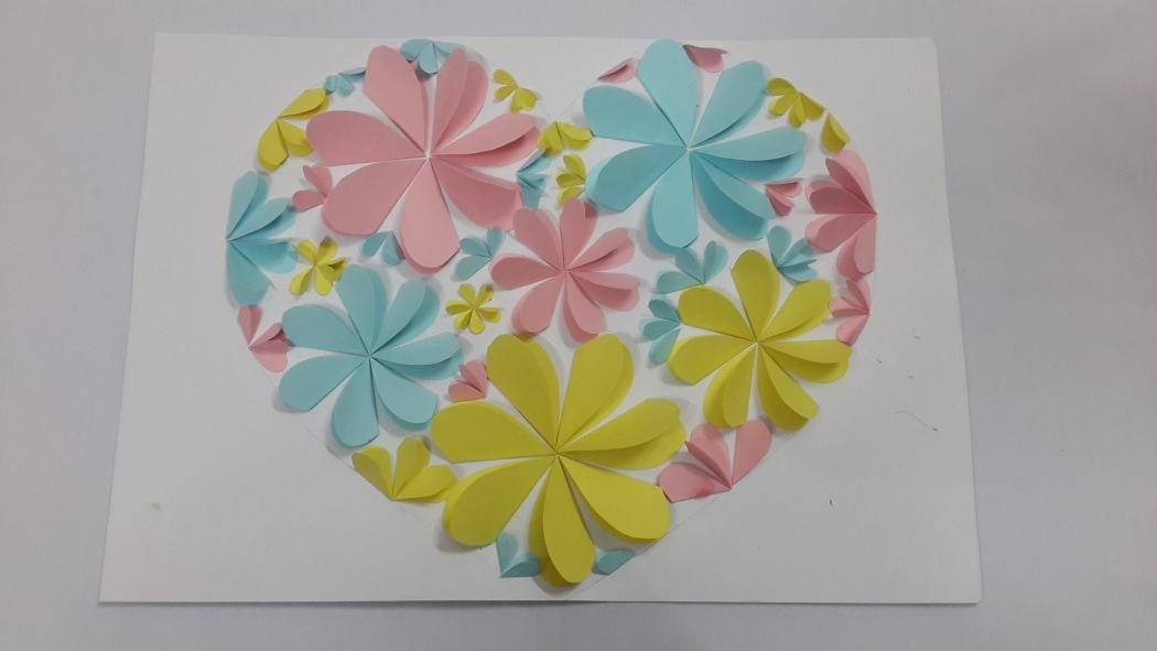 Поделки из бумаги цветочки сердечки 13