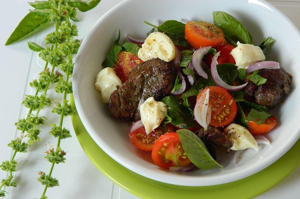 Теплый салат с куриной печенью рецепт с пошаговый рецепт с