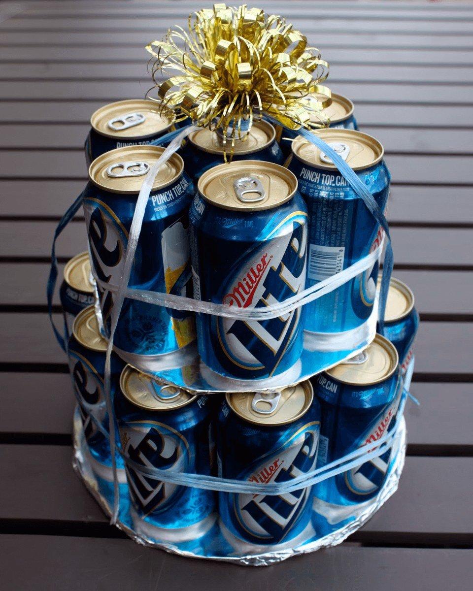 Сделать подарок мужу из банок пива 52