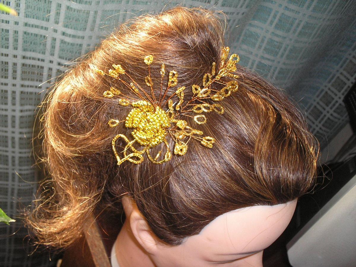 54Заколка для волос с бисером