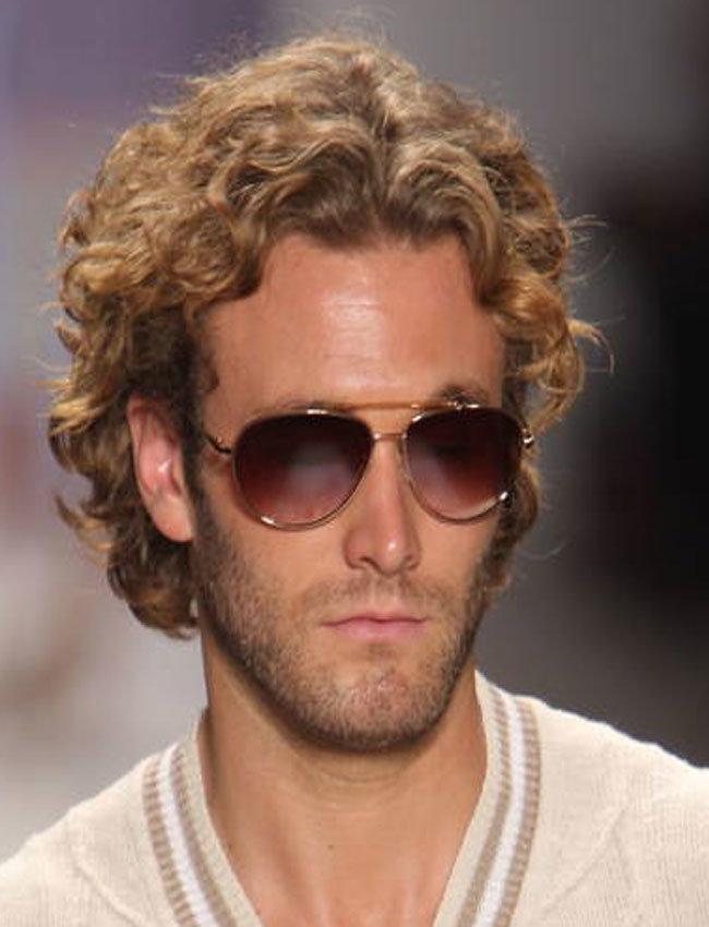 Модные мужские прически из кудрявых волос