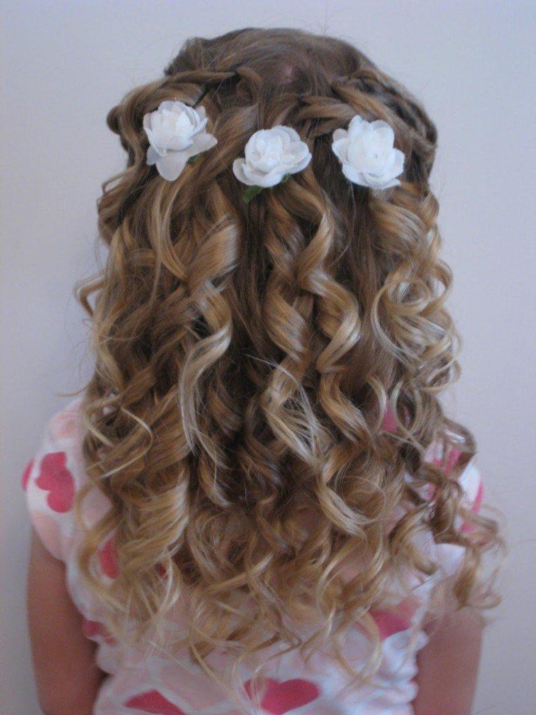 Прически на средние волосы на свадьбу кудри детям
