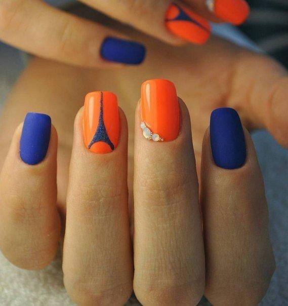 Оранжево-синий в маникюре