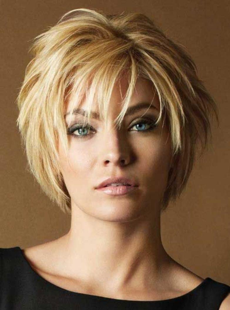 Современные женские стрижки на средние волосы с челкой