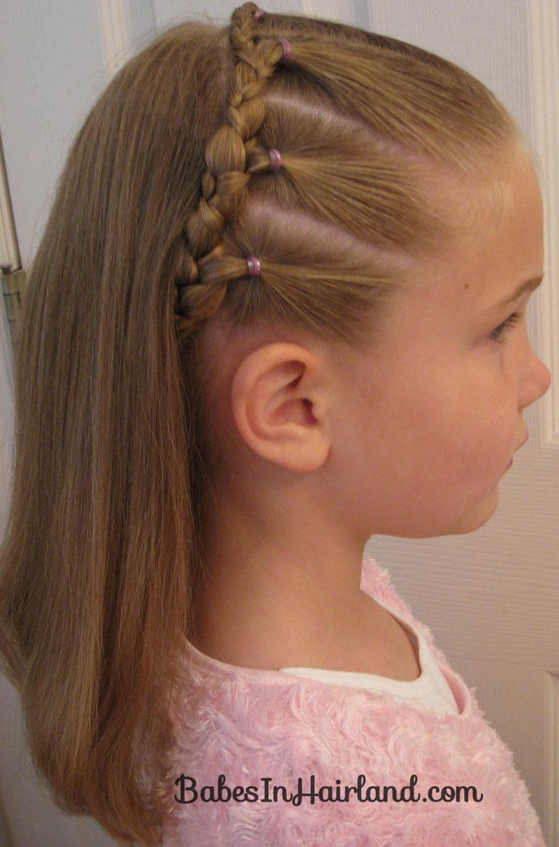 Прическа девочкам на средние волосы фото