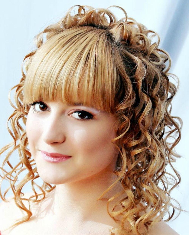 Причёска на средние волосы с чёлкой фото