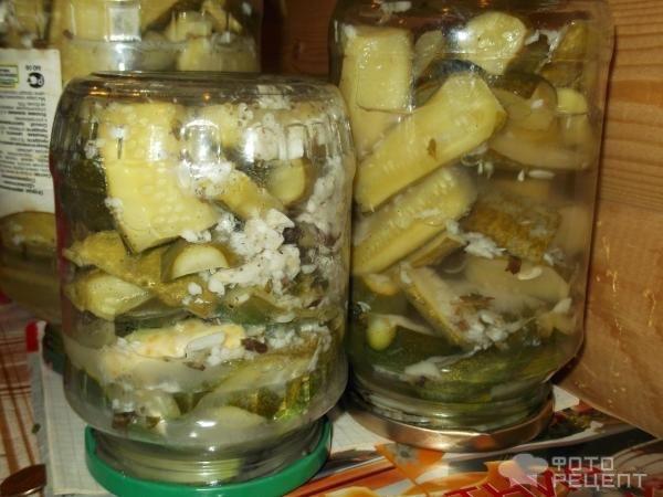 Салат на зиму из переросших огурцов - богатство вкуса: рецепт с фото