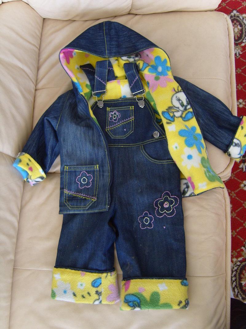 Комбинезон детский из старых джинсов