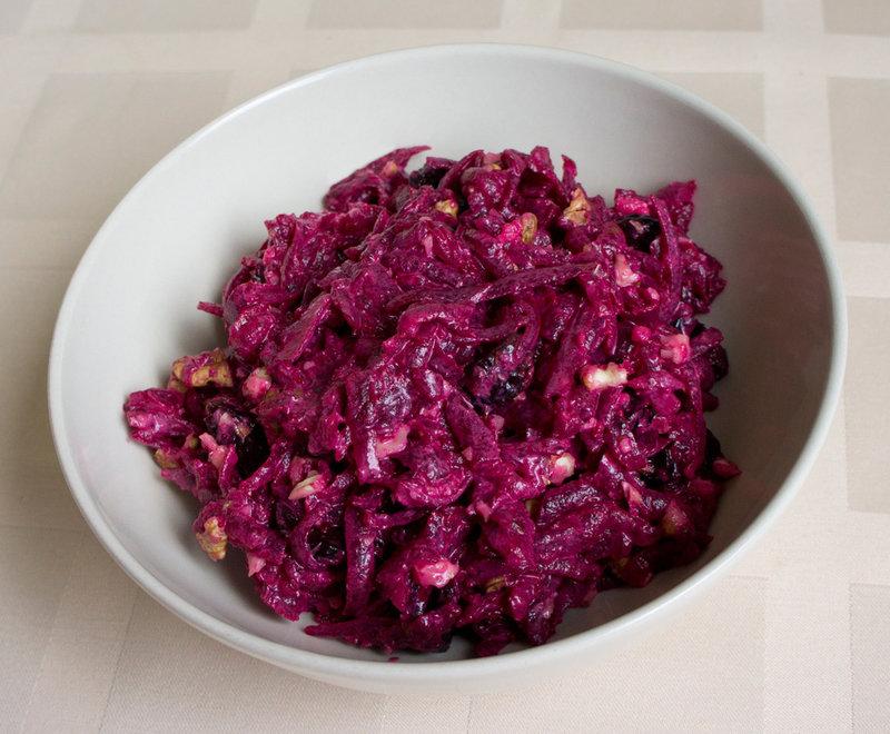 Салат с орехом и черносливом калорийность