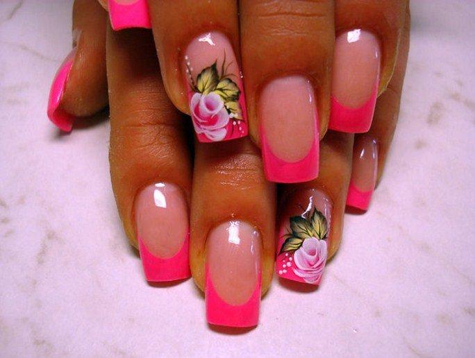Яркий френч с рисунком на ногтях
