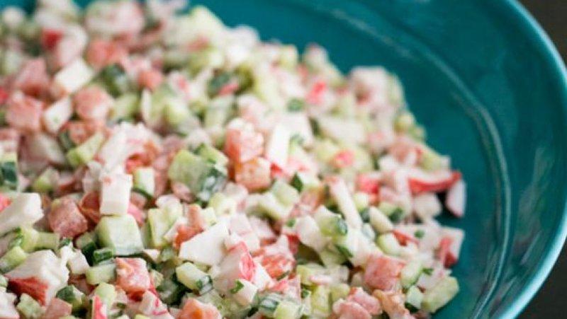 Салат из крабовых палочек и сыром рецепт очень вкусный 123