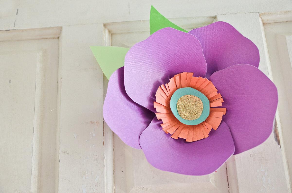 Бумажные цветы на стену из гофрированной бумаги