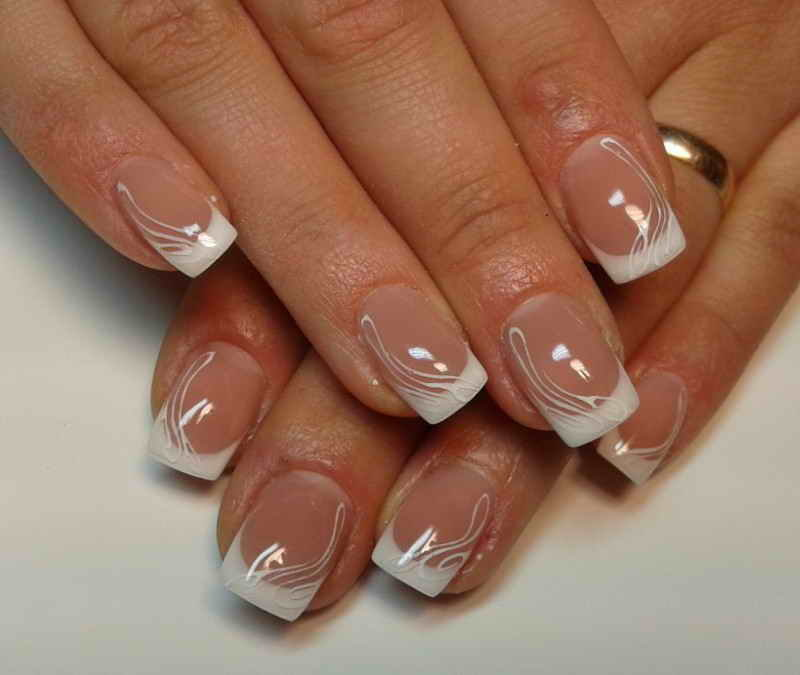 Фото френча на гелевых ногтях