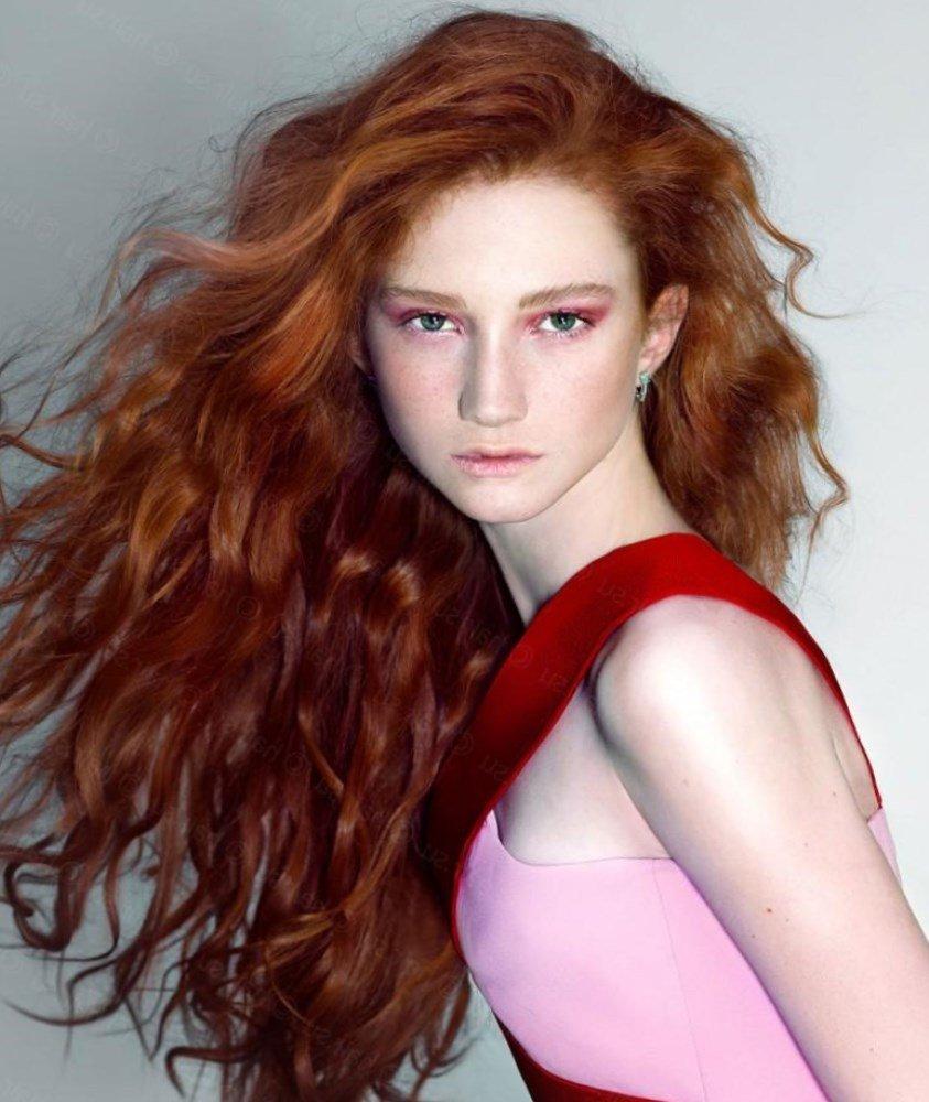 Укладка для длинных рыжих волос 167