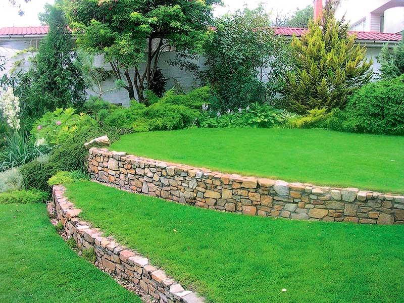 Ландшафтный дизайн дачного участка склон