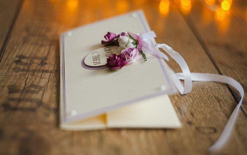 Подарок на свадьбу деньги в конверте 100