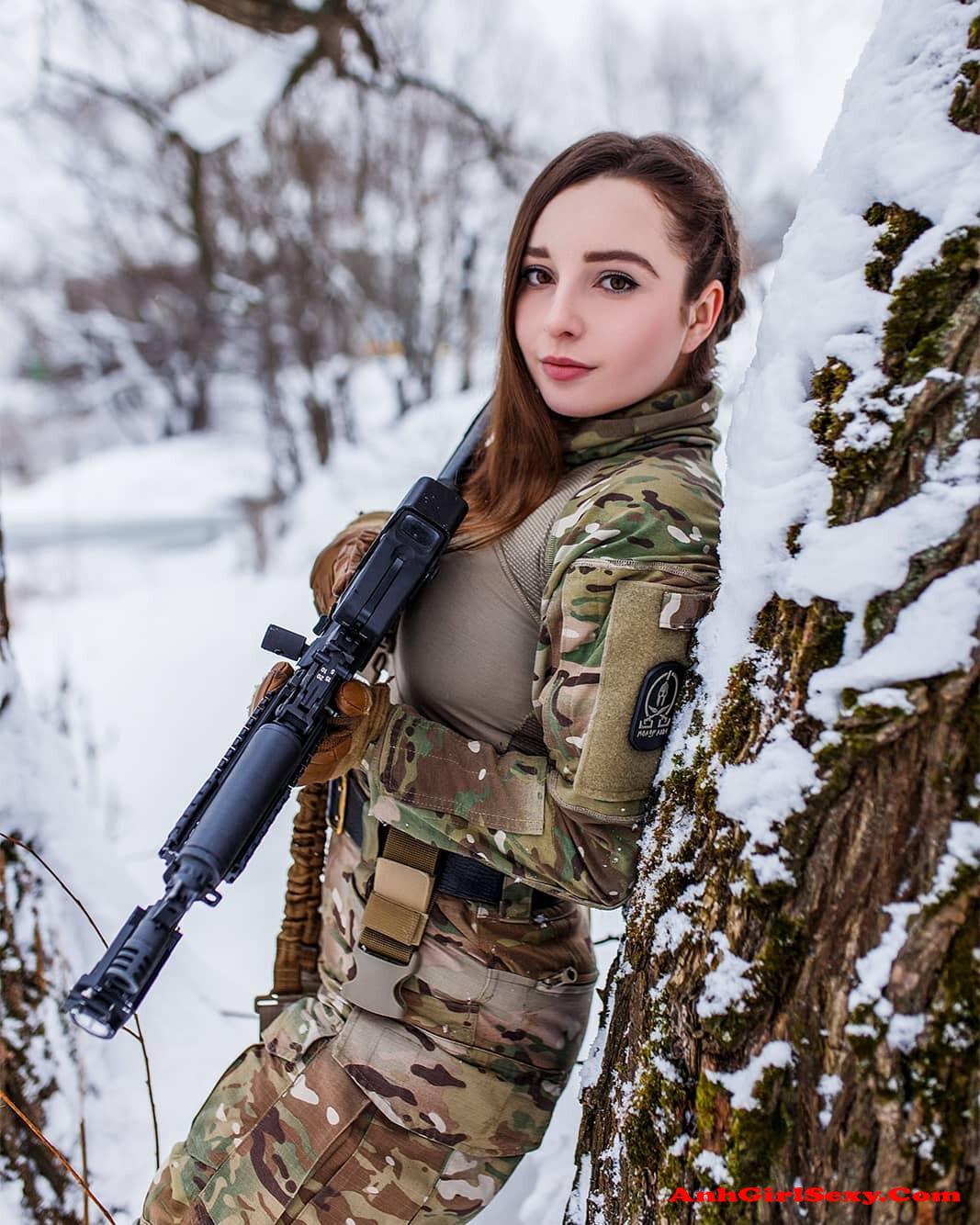 Елена Делигиоз Слитые Фото