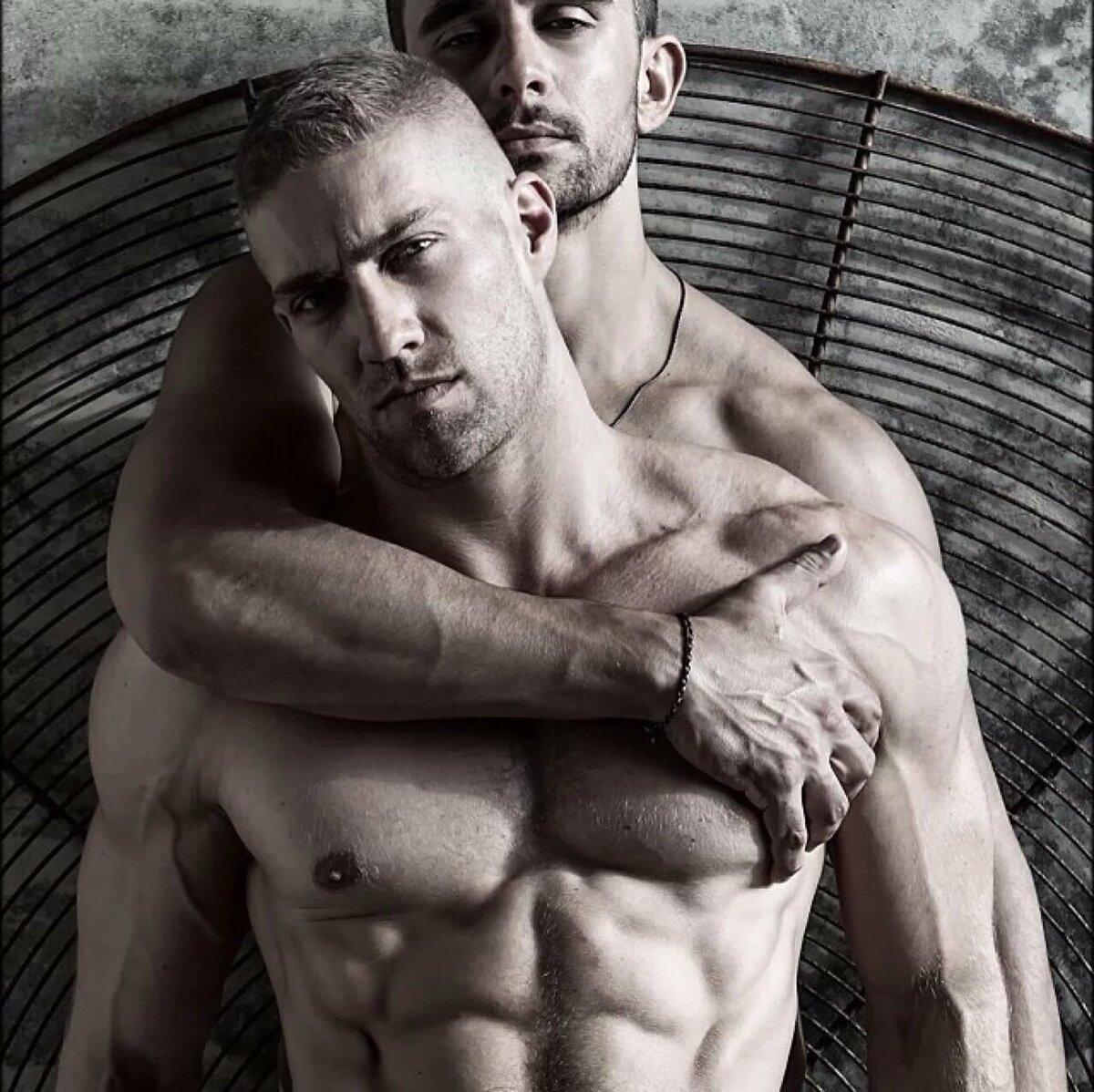 Два Обнаженных Мужчины