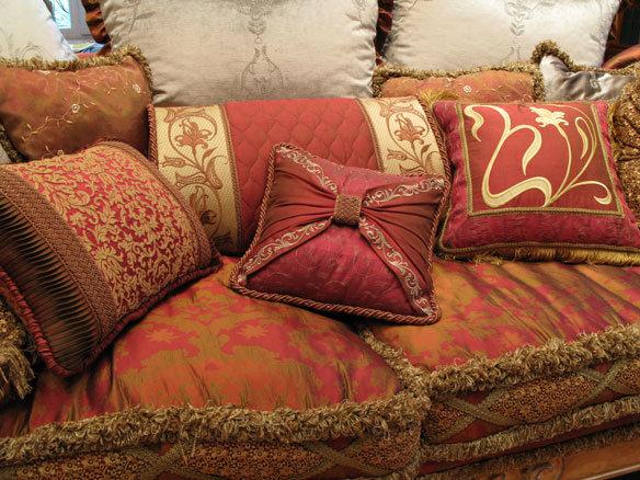 Подушка валик для дивана своими руками 42