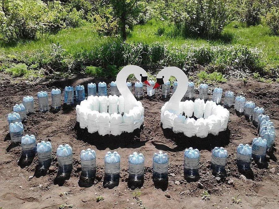 Как сделать грядку из пластиковых бутылок своими руками