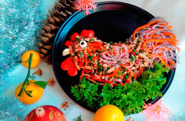 Простые салаты на Новый год Петуха 2018: рецепты пошагово с фото