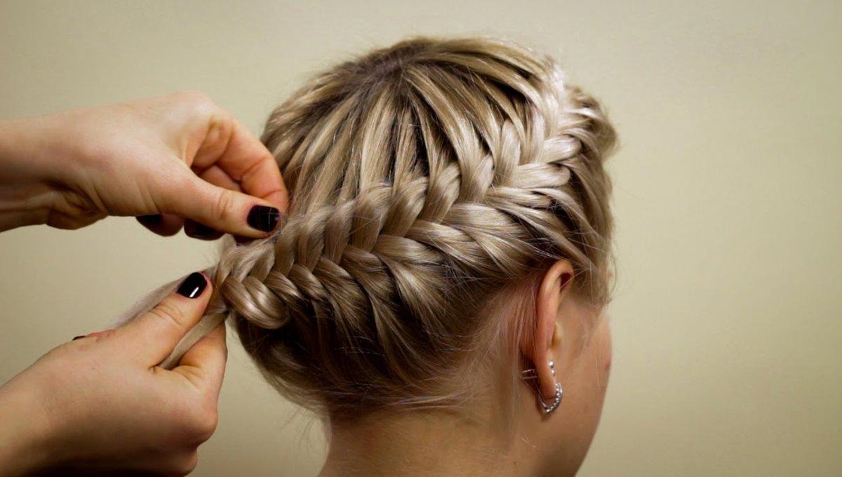 Плетение на волосах кругом