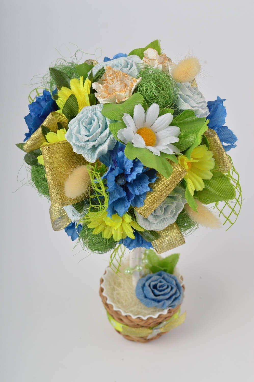 Фото топиария из искусственных цветов