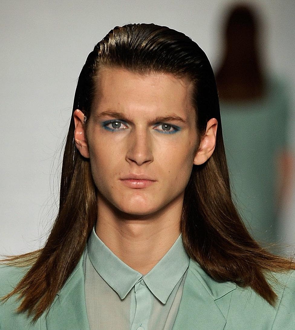 Как сделать гладкие волосы парню