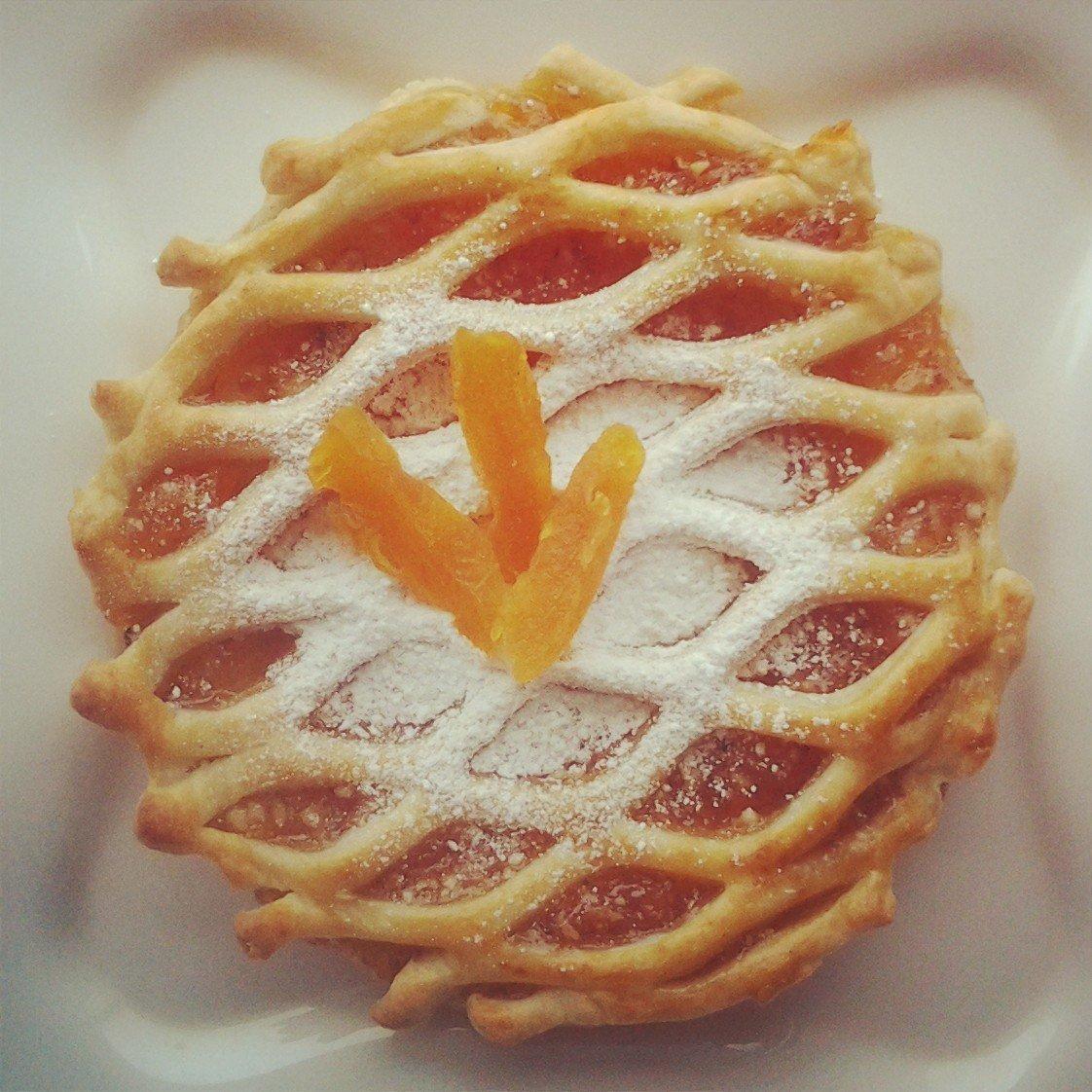 Как сделать из слоеного теста пирог с ягодами