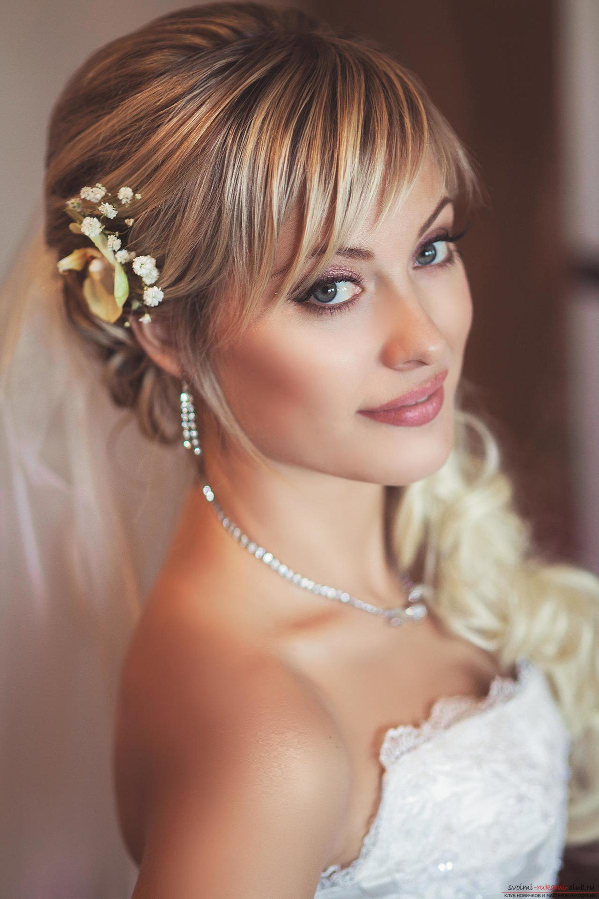 Красивые прически на свадьбу с челкой фото