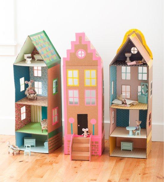 Как сделать домик для кукол барби своими руками из коробки или картона 45