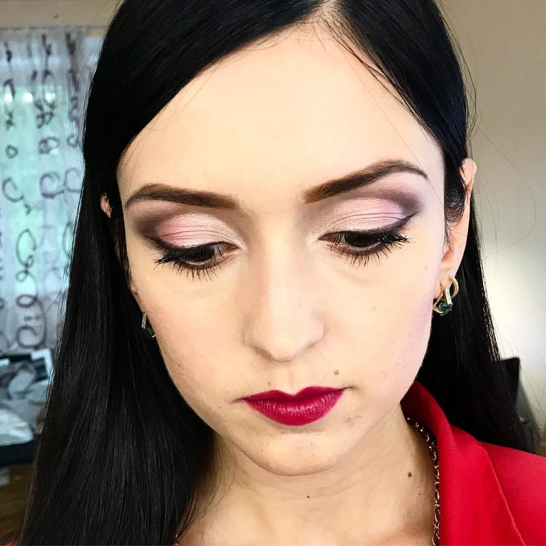 Красивый макияж со стрелками фото для брюнеток