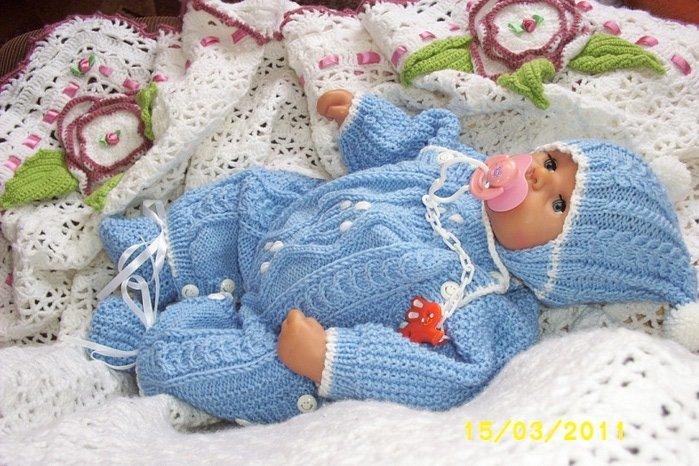 Вязанная одежда для новорожденного на спицах