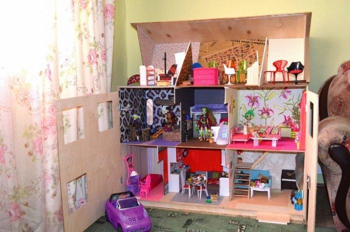 Как сделать дом из коробки для куклы монстер хай