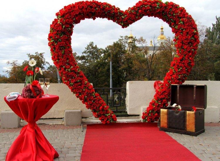 Арки из цветов на свадьбу