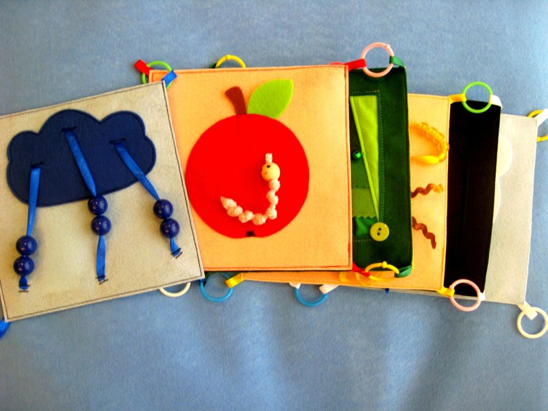 Тактильная книга для детей своими руками
