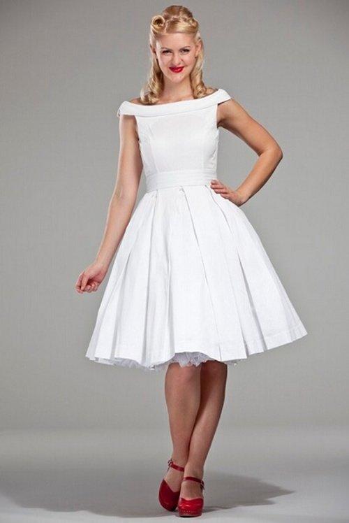 Платья на выпускной в стиле 80-х