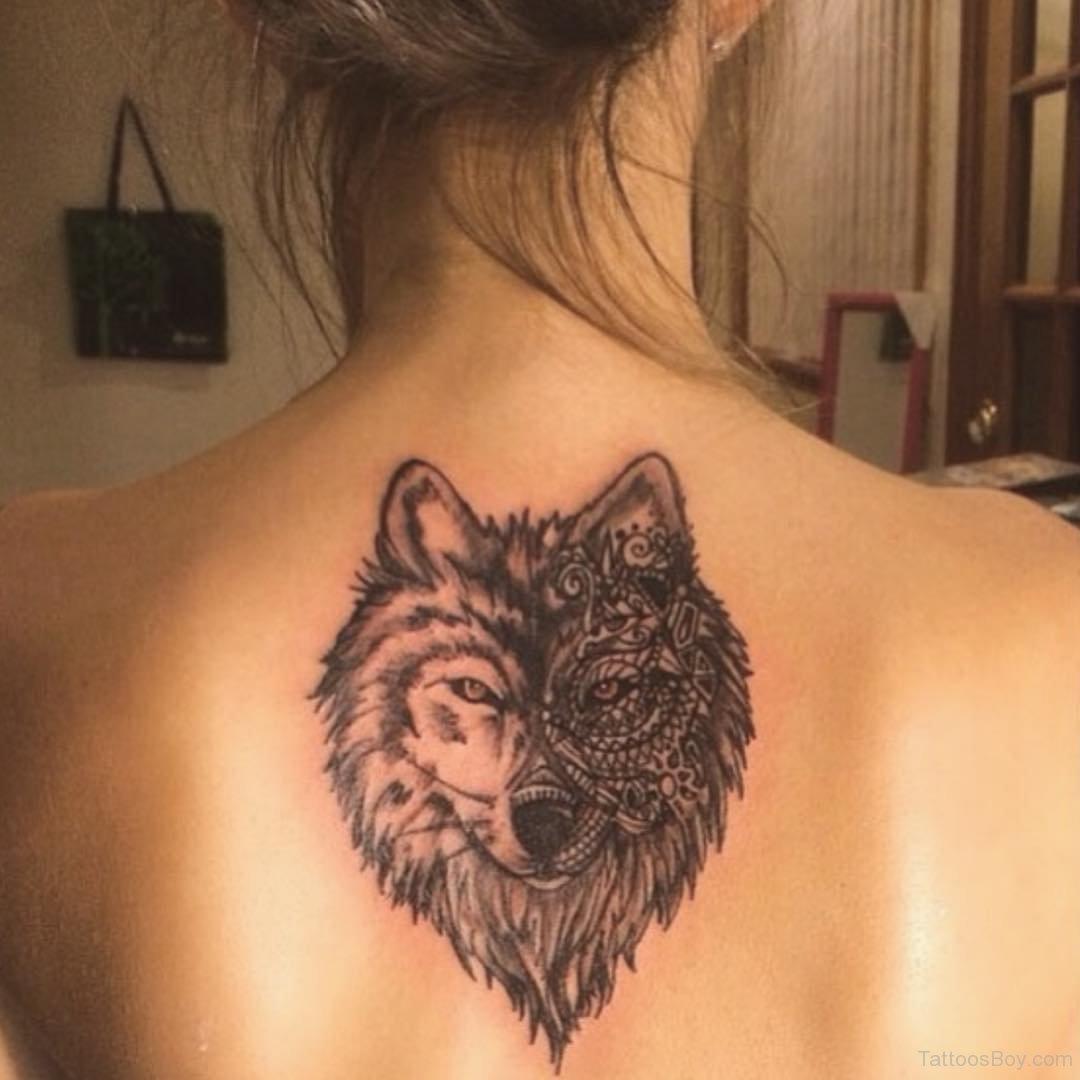 Тату на спину волк фото