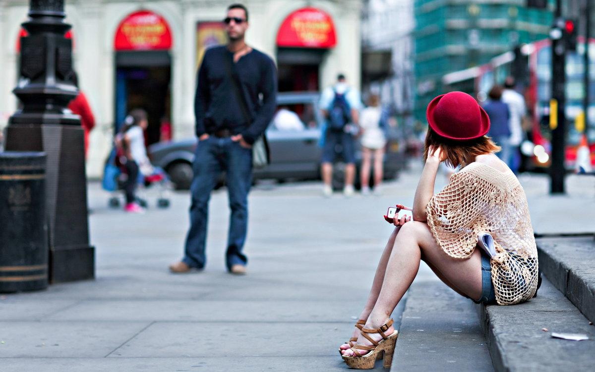 Фото людей на улице девушки