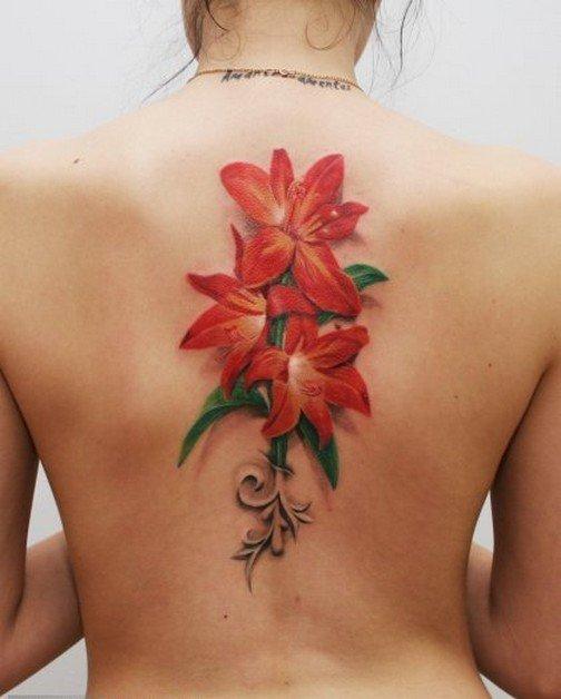 Татуировки цветов на спине женские