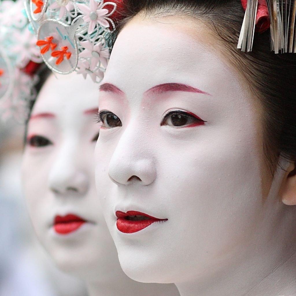 Как нарисовать японский макияж