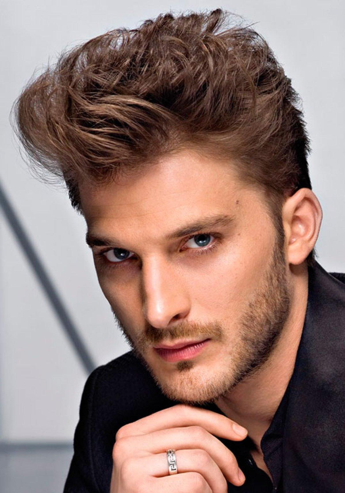Мужские причёски с зачёсом назад фото