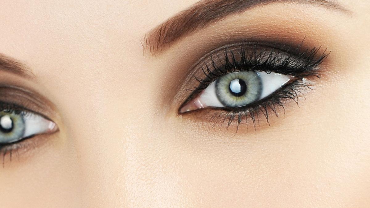 Как сделать серые глаза голубыми