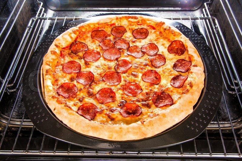 Как сделать пиццу на готовой основе в духовке
