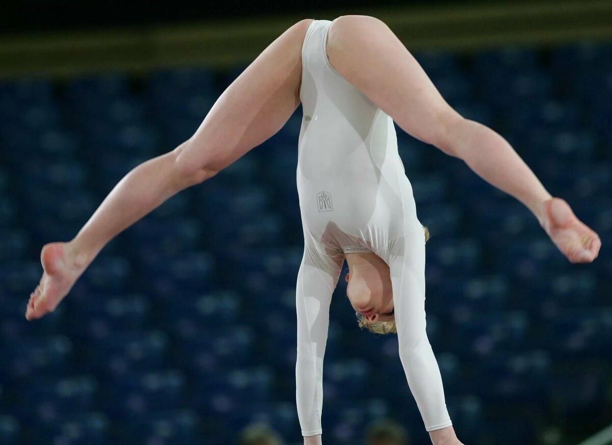 Гимнастки Голые Без Регистрации