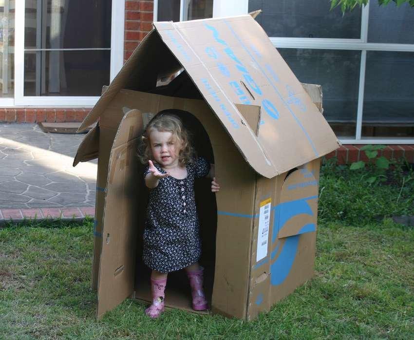 Детские домики из картонных коробок своими руками 33