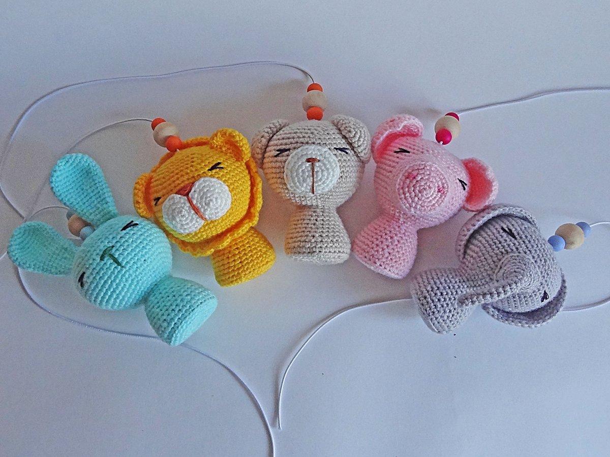 Вязание игрушек для новорожденных крючком 21