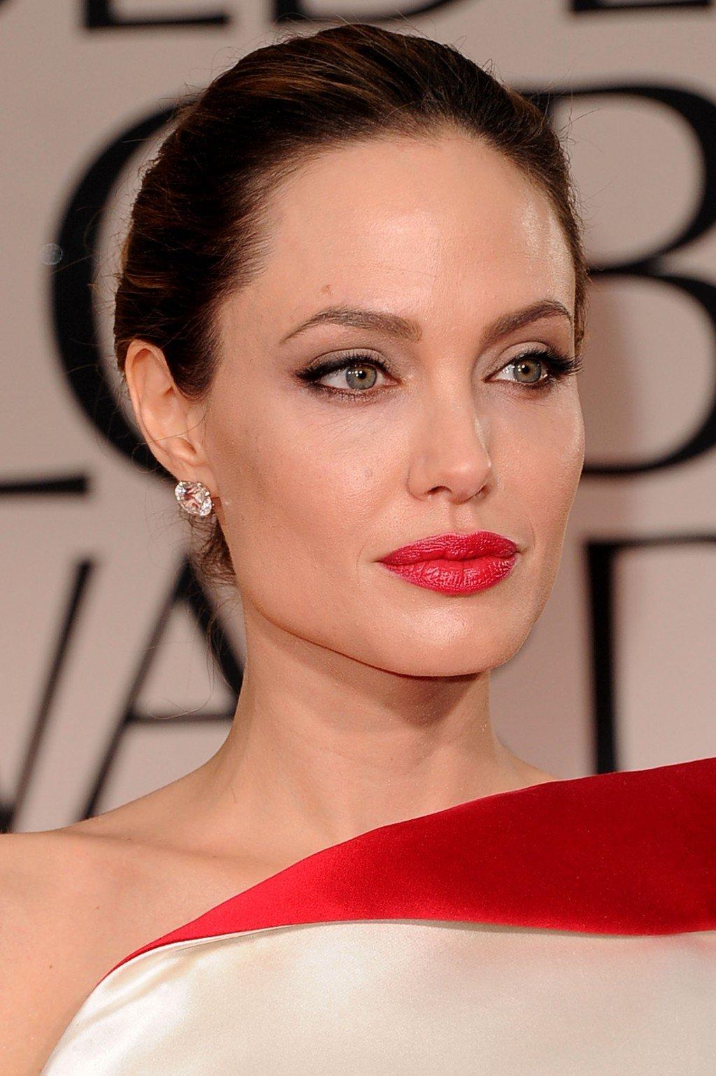 Пошаговое макияжа под красное платье