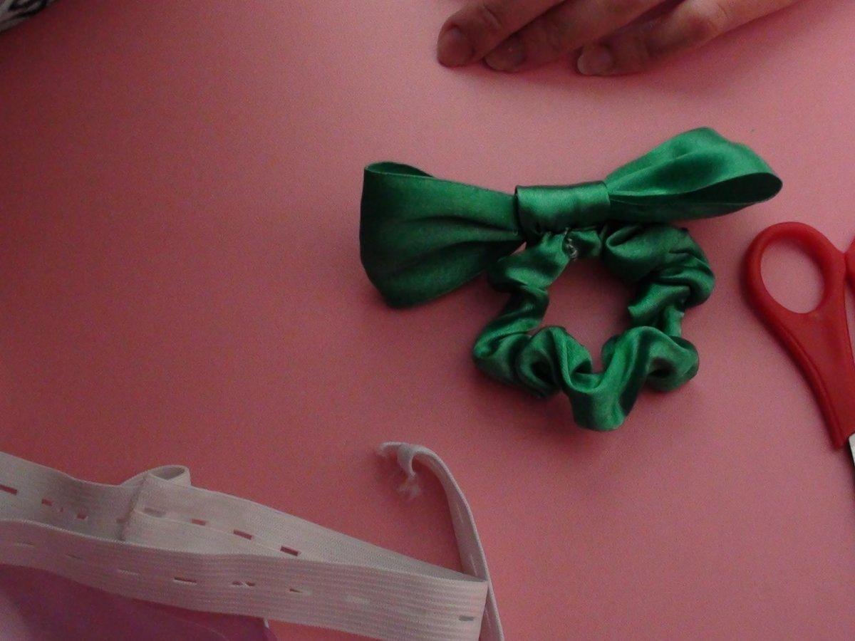Как своими руками сделать резинку из лент 521